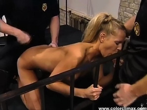 Blond hottie screwed well in prison