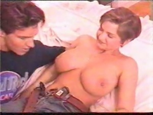 Threesome with big natural boob ... free