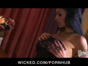 Incredibly HOT big-tit Indian brunette babe sucks & fucks big-dic