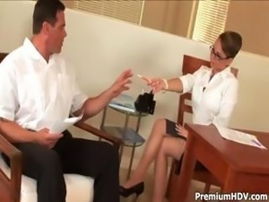 Yummy big boss hottie gets her male secretary to do her in the office