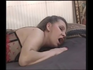 Mature mom gets her pussy pound ... free