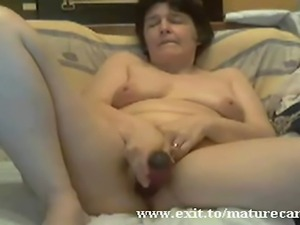 Married maturegranny with a real open and above all a dirty mind. A webcam...