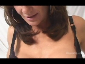 Deauxma coming climax with dildo