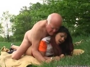 Old cock jerked on this outdoor interracial fucking