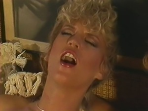 Amber-Lynn-Porn-Star-Legends clip2