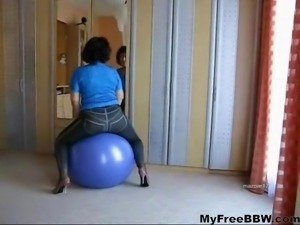 Chubby Mature Loves To Play With The Ball BBW fat bbbw sbbw bbws bbw porn...