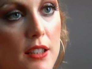 Julianne Moore Fucks in Boogie Nights
