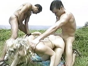 Hawaiian Ecstasy - Missy, Silvia Saint