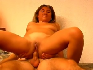 Amateur French couple, doing their best in bed to pass the casting for an...