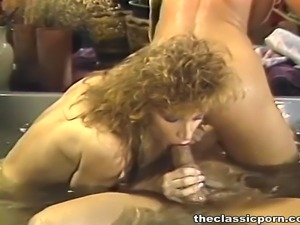 Hot threesome fuck in Jacuzzi
