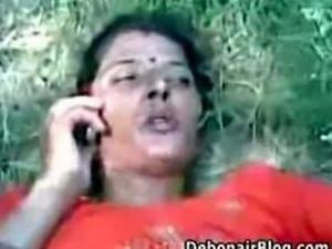 Indian village girl fuck in feilds .avi
