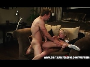 Sexy blonde bombshell Riley Steele naughty dance