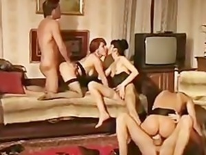 La veuve de buda fesse  retro movie