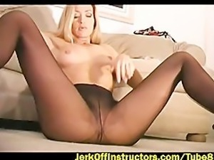 Tommi Rose teaches proper jerk off