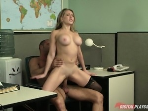 Kagney linn karter hardcore fucking at the office