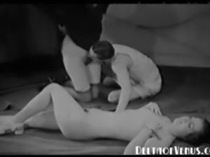 Vintage 1930s Porn - FFM Threesome