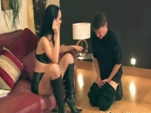 Sexy domina uses her gimp as an ... free