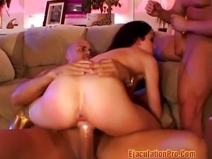 Taylor Rain got herself a threesome