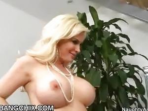 Blonde Busty Diamond Foxxx Pounding