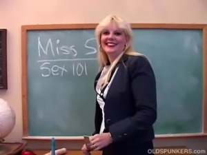 Saucy MILF teaches you about her pussy free