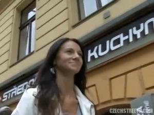 CZECH STREETS - MARTINA free