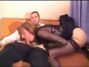 amateur foursome swinging