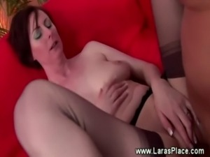 Mature in stockings gets an anal fuck free