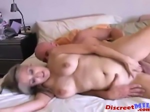 Rich mature MILF seducing a black pool guy she enjoy sucking his huge dick...