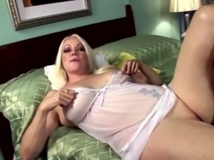 Dildo fucking blonde mature Aliane free