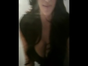 Kim Kardashian cum tribute