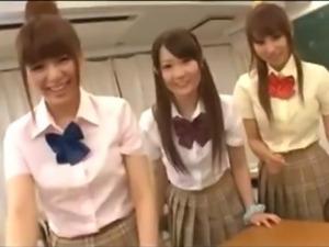 Japanese Schoolgirls 66227