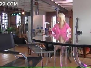 Vivian Schmitt Nimm sie dir German 01