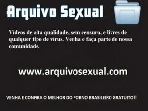 Morena bunduda adora pular na vara - www.arquivosexual.com free