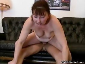 Dirty mature slut goes crazy sucking part5