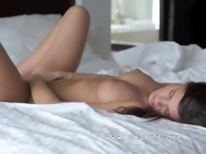 Incredible babe rubbing shaved hole