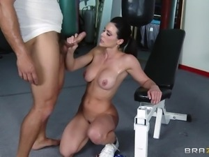 hardcore fuck and suck at gym