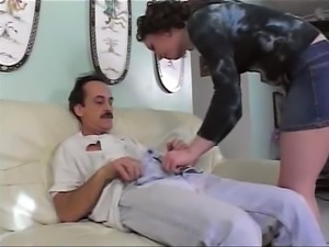Old dude gets some fresh pussy & deepthroat