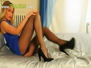 Incredible blonde strip in high heels