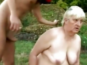 Outdoor granny banging