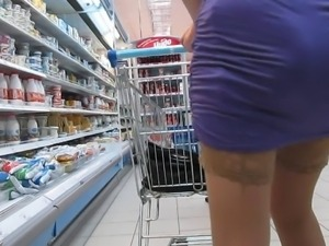 Stockings upskirt in supermarket