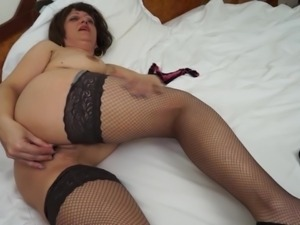 i love to wear only my stockings