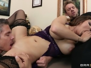 brunette babe gives head while getting fucked in her pussy