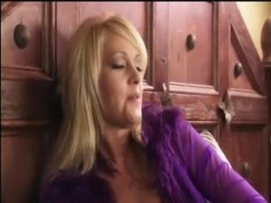 Beverly Lynne and Jenaveve Jolie free