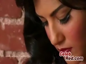 Sunny Leone masturbating in super hot fishnet stockings - XVIDEOS.COM free