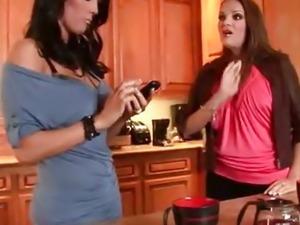 Pornstarslick Dylan Ryder and Nika Noir lesbian strapon