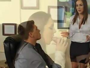 Great rack black haired Kiera King cheats onto bf