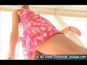 Jody She\'s a Tall Beautiful And Very Leggy Teen Water Squirting