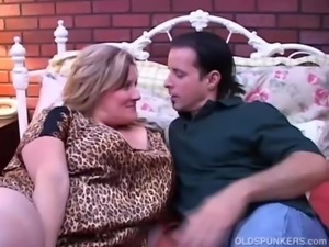 Beautiful mature BBW Deedra enjoys cum all over her big tits free