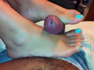 Cum Sprinkler On Sexy Latina Feet