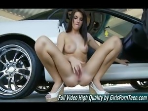 Racquel her pussy to orgasm watch free video